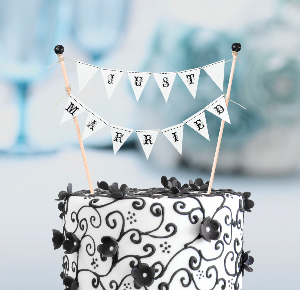 Just Married Cake Bunting